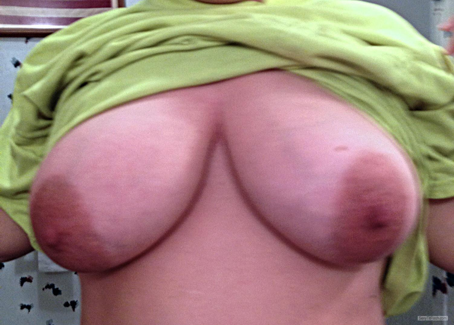 Tit Flash: Wife's Big Tits - Occ3 from United States